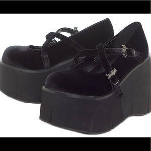 Demonia Kera Mary Janes black velvet platform 💋